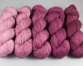 Hand Dyed Gradient Yarn Set - 100% Merino SW Fingering Weight Yarn - Single ply - Big sized skeins - Dyed to order