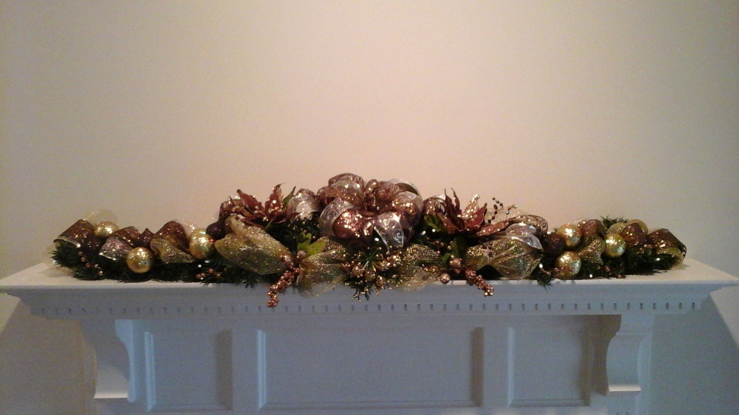 Christmas mantel garland swag lighted by giftsbywhatabeautifu