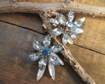 vintage silver tone blue marquise and smoky blue navette rhinestone clip earrings