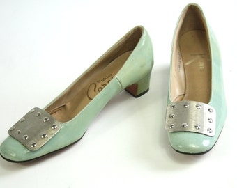 MOD Vintage 1960s Twiggy go go shoes by Caressa Taicher // Carnaby // Swinging London