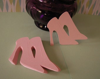 25---21/2 inch pink pair high heel shoes