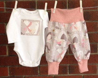 PINK CLOTHES BABIES,  polar bear girl clothing set,harems and bodysuit with applique polar bear, 3 6 12 18 mths, baby shower gift