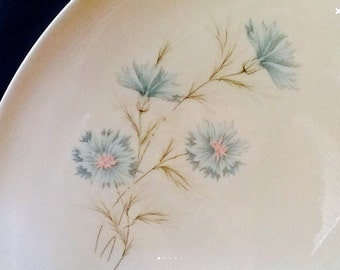 Vintage Taylor, Smith and Taylor Platter <> Large Oval <> EXCELLENT CONDITION <> Boutonniere Pattern <> Ever Yours Line <> 1950's