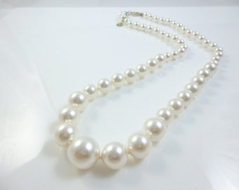 Graduated Pearl Necklace, Hand Knotted, Swarovski Pearls,  Graduated Pearls, Wedding Jewelry