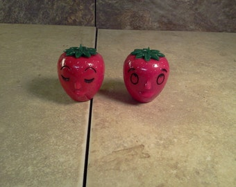 Vintage - Strawberry - Salt and Pepper -Shakers - Used