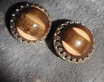 Vintage Japanese carved wood and metal earrings clip on