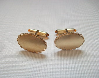 Krementz Gold Plated Oval Cufflinks, Vintage Gold Tone Men's Cuff Links with Scalloped Edges