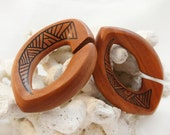 """Sawo Wood Large Angular Geometric Pattern Weighted Oval Gauged Hangers 10mm (00G) 12mm (1/2"""") 19mm (3/4"""") 22mm"""