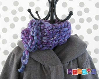 Knit Cowl Scarf , Knit Infinity Scarf , Knitted Neck Warmer, Chunky Yarn Knit, Knitted Neck Wrap, Chunky Knit Cowl, Short Scarf, Bagel Scarf
