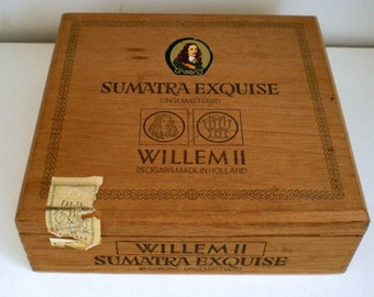 Vintage Wooden Cigarbox, Cedar Wood, Made in Holland, Willem II Cigars, Storage for Pencils or Pens.