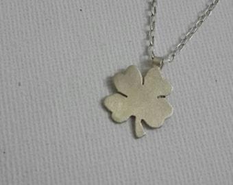 Clover pendant