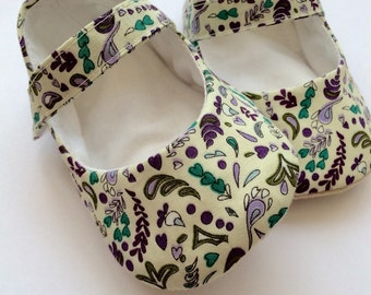 Soft sole mary jane baby shoes. Baby girls Mary Janes, baby shoes, soft sole shoe, cloth shoe, designed, cut and hand made in the UK