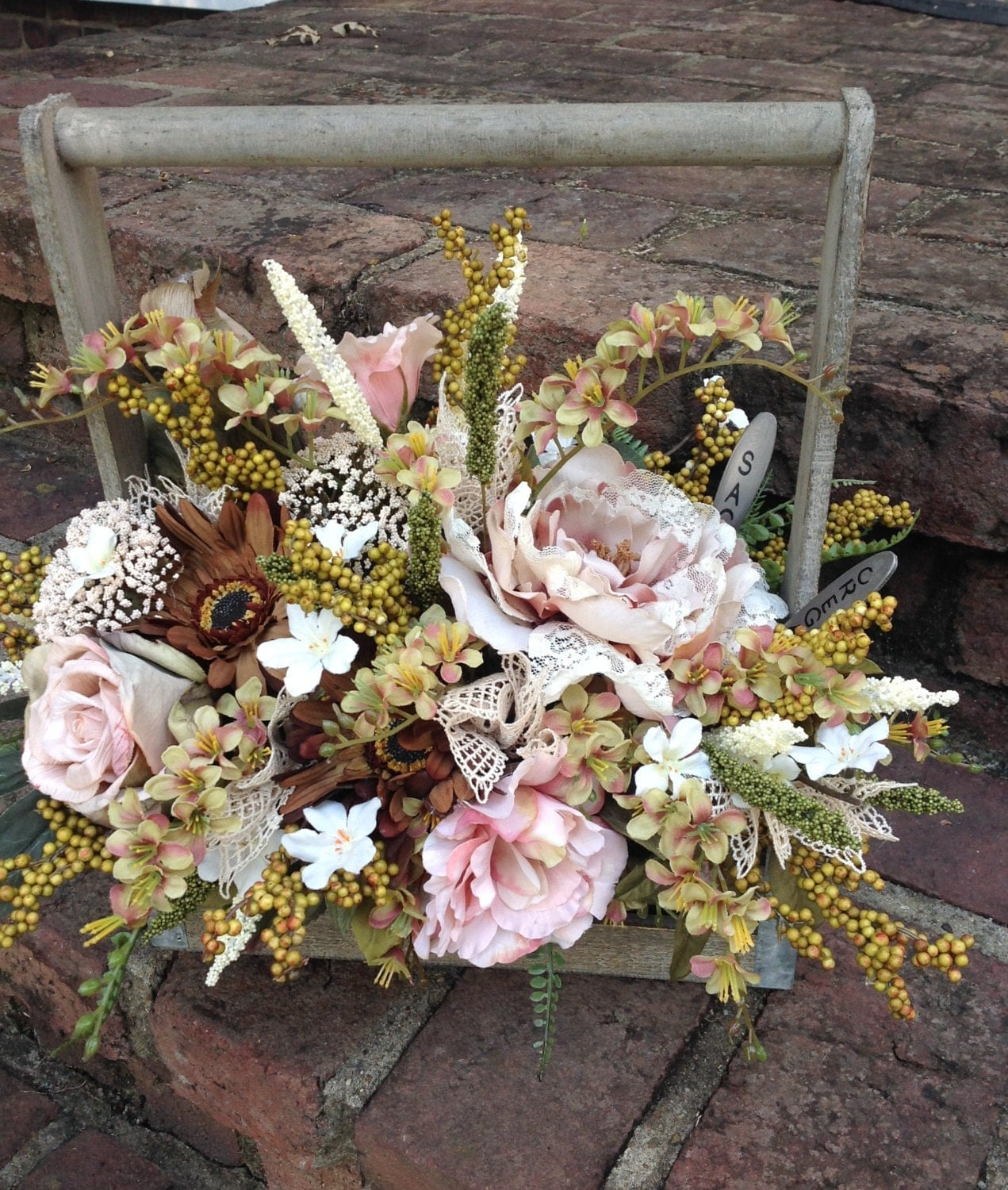 Beautiful Rustic Floral Arrangement Cream By