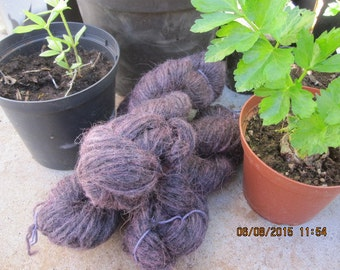 Icelandic pure wool, hand dyed with  Cochineal 211014-4