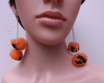 Soft puffball earrings in orange and black for Halloween, pompom earrings, halloween earrings