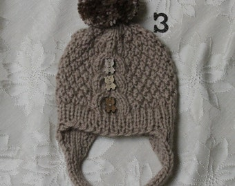 Baby boy knitted hat. Beige knitted hat. Boy knitted hat. Baby hat with pom pom. Age 0-12 month