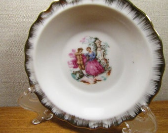 Small Gold Accent Dish - Colonial Couple
