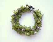 Peridot Bracelet, Green Gemstone Cluster Bracelet, Green Beaded Charm Bracelet, August Birthstone Bracelet, Peridot Bracelet Jewelry