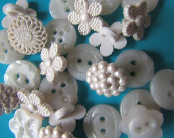 Ivory Heirloom Buttons - Dress it Up