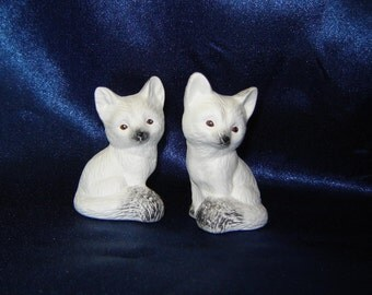 Pair of Miniature Ceramic White Foxes - Group 1 - Pair of Miniature Foxes - Ceramic Foxes - Miniature Animals - Miniature Foxes