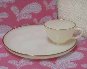 Set of 4 (Four) Vintage Fire King ? Milk Glass Snack Plates & Cups in Off White with Gold Edges; EXCELLENT; 2 Sets available