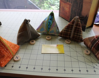Small Zippered Triangle bag