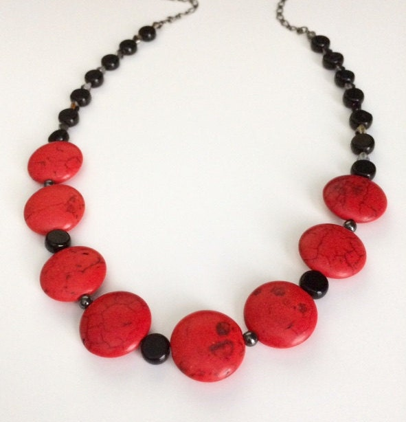 Red black statement necklace beaded red black neckace red for Red black and green jewelry