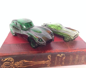 Two Vintage Avon Deep Woods After Shave Green Glass Car Decanters One 5 oz and One 2 oz