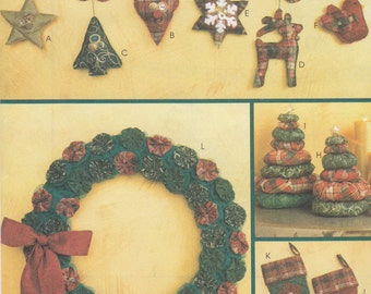 McCall's Crafts M6002 Christmas Craft Sewing Pattern - Wreath Stockings Sewing Pattern - Uncut Sewing Pattern - Holiday Craft Sewing Pattern