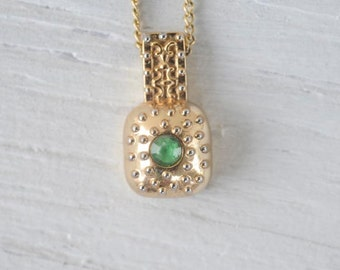 Green Stone Gold Dot Embossed Vintage Necklace