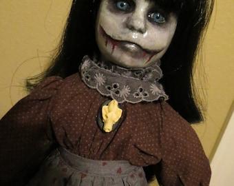 OOAK-Gothic-Zombie-Undead-Vampire-Creepy--Horror-Hand-Painted-Porcelain-Doll-Martha