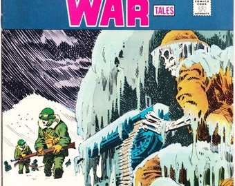 Weird War Tales 33. A horror, GI Combat comic. Scary Halloween, creepy art and stories from 1975, DC Comics in VFNM (9.0)