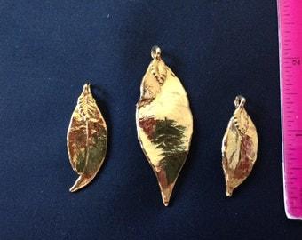 Gold plated leaf charm pendant bead vintage art deco set (3)