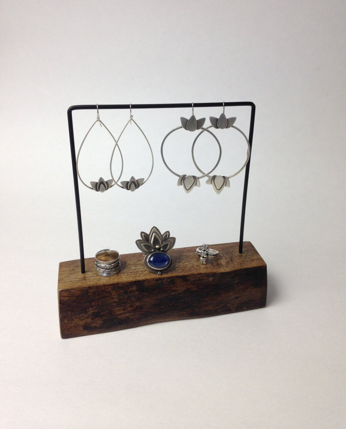live edge earring stand jewelry holder earring display. Black Bedroom Furniture Sets. Home Design Ideas