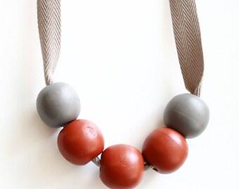 Round Beads Necklace - Luggage