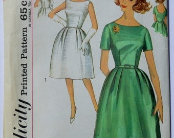 Simplicity 4744 Vintage Sewing Pattern One Piece Dress 1960's