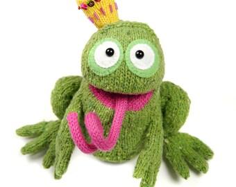 RODOLFO the Frog King knitting pattern