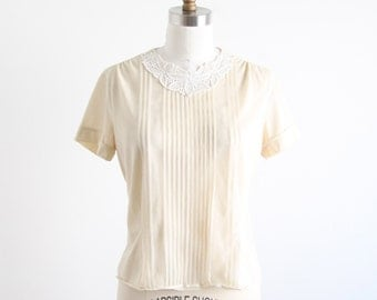 Vintage Ivory Top With Lace Applique - As Is