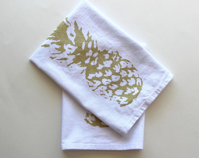 Pineapple Cloth Napkins - Hawaiin Style - Gold and White Dinner Napkins - Luau Napkins - Summer Entertaining - Luau Party