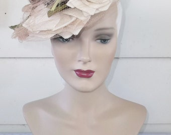 1940s Vintage Black Tilt Hat with Flowers and Netting