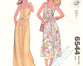 McCalls 6544 1970s Scoop Neck Button Front DRESS Pattern Womens Vintage Sewing Pattern Size 10 Bust 32