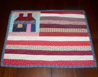 Hand Quilted Americana Placemat, 13x17 inches, Handmade Mat, Table Topper, Table Runner