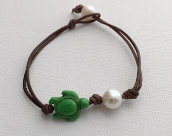Beach Bracelet. Leather, Sea Turtle & Freshwater Pearl Jewelry