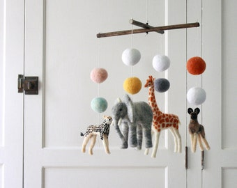 Super Safari Baby Mobile, 4 figures, 8 Balls, dark stained dowels, Custom Felted Mobile with Cheetah and Wild Dog, Made to Order