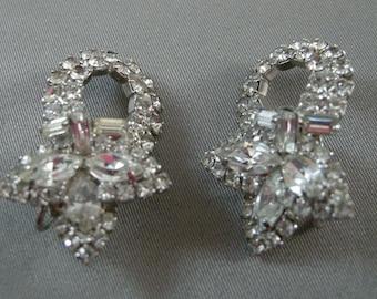 Mid Century Navette Clear Cut Rhinestones Earrings, elegant Rhinestone Earrings, Clip Back Rhinestone Earrings, Art Deco Rhinestones