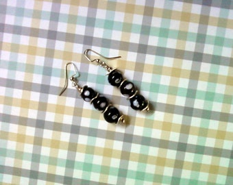 Black and White Spotted Earrings (2232)