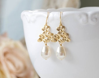 Bridal Earrings Teardrop Pearl Gold Lilac Flower Blossom Dangle Earrings White Cream Pearl Earrings Wedding Earrings Bridesmaid Earrings
