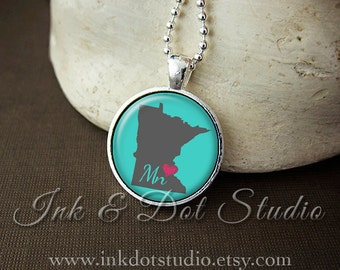 Minnesota Necklace, Love Minnesota Pendant, Custom MN State Pendant, Minnesota Jewelry, Customizable