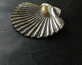 Vintage SeaShell Brooch