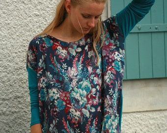 Light, teal jersey and floral viscose tunic, square cut